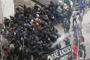 20117-trump-inauguration-protest-arrest-3-216p-rs_031539a9264cc5e7b3c513193890a317-nbcnews-ux-600-480