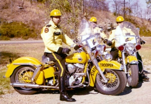 tennessee-state-police-motorcycle-e2809cyellow-jacketse2809d-on-harley-davidson-panheads